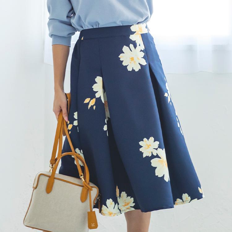 ネイビーフラワープリントスカート