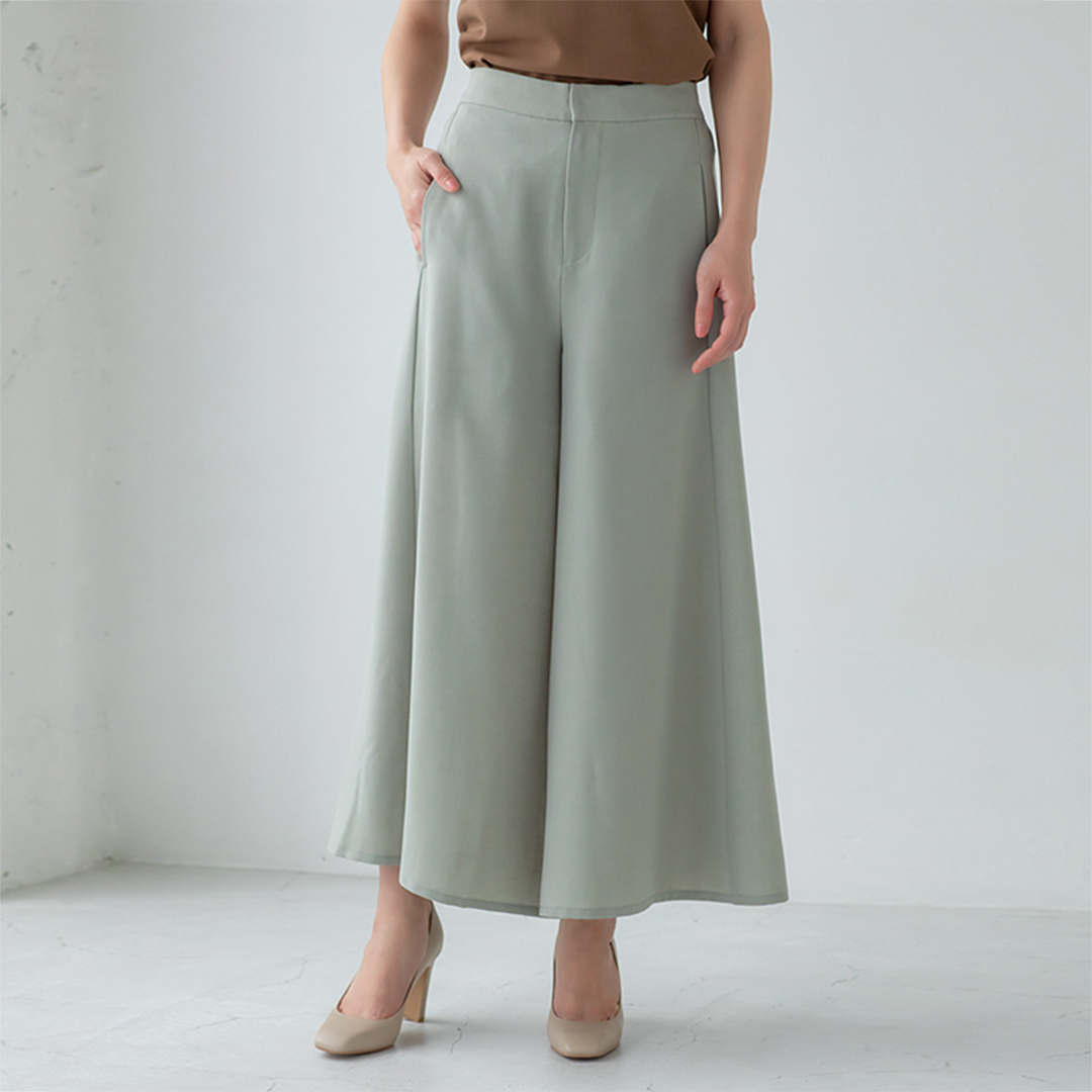 ミントグリーンスカート見えパンツ