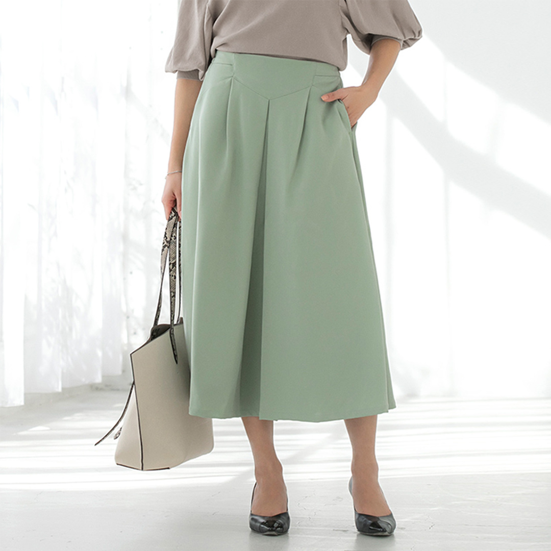ミントグリーンタックフレアースカート