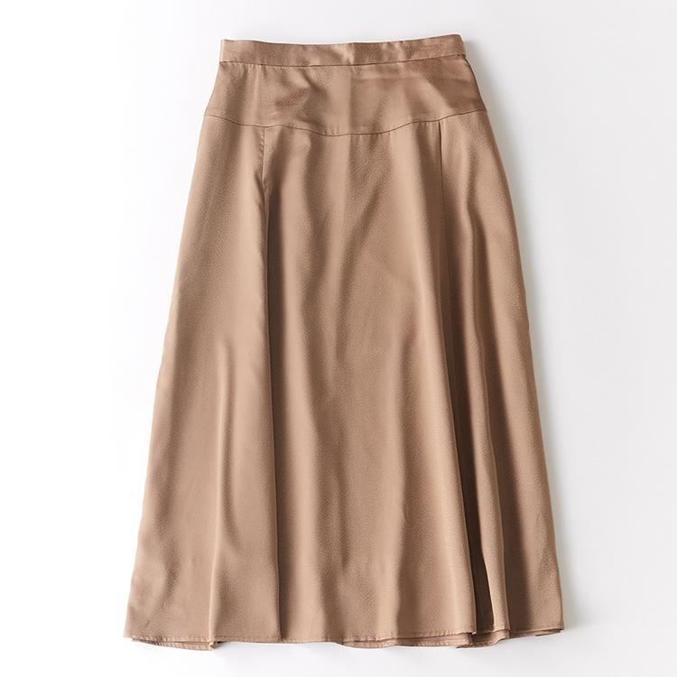 ツヤジャガードセミフレアスカート